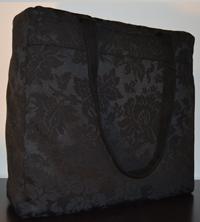 Borsa in tessuto nero damascato 38×37 cm