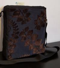 Tracolla in jeans e tessuto vellutato floreale 30x25 cm