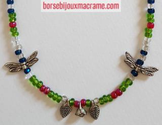 Bijoux _ Collana con perline lucide e fiori, foglie e libellule in metallo