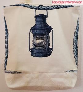 Shopper mare dettaglio della lanterna