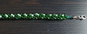 Kumihimo _ Bracciale filo verde e perline